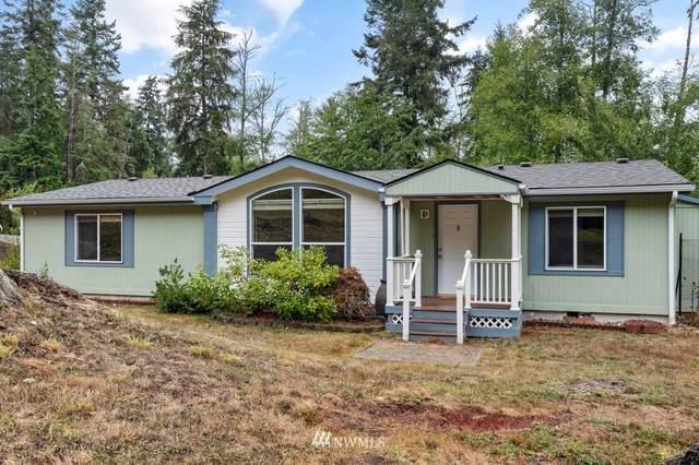 2556 Lake Forest Drive, Oak Harbor, WA 98277 (#1844201) :: Keller Williams Western Realty