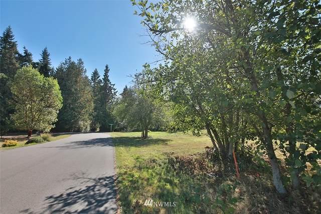 4386 Crestmont Place, Clinton, WA 98236 (#1844270) :: Northern Key Team