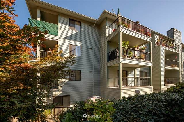 3517 W Government Way, Seattle, WA 98199 (#1844316) :: Alchemy Real Estate
