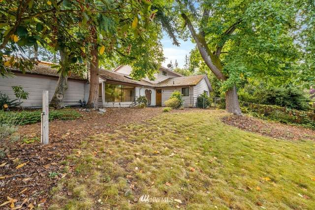 2208 92nd Avenue NE, Clyde Hill, WA 98004 (#1844488) :: Ben Kinney Real Estate Team