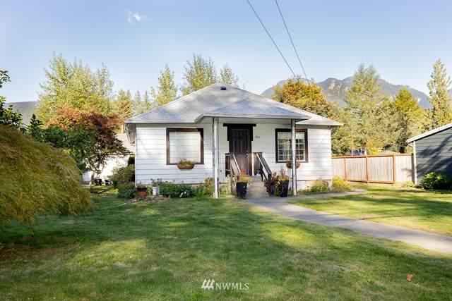 901 Croft Avenue, Gold Bar, WA 98251 (MLS #1844840) :: Reuben Bray Homes