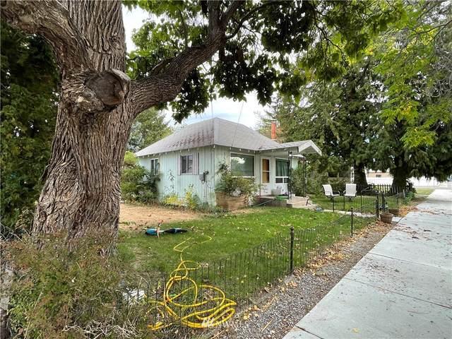310 W Columbia Avenue, Chelan, WA 98816 (#1845008) :: Franklin Home Team