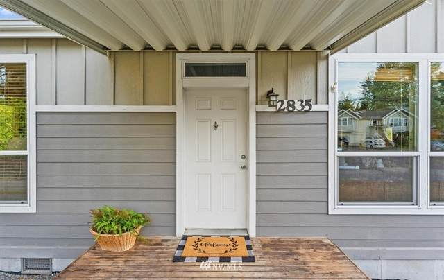 2835 SW 102nd Street, Seattle, WA 98146 (#1846326) :: Neighborhood Real Estate Group