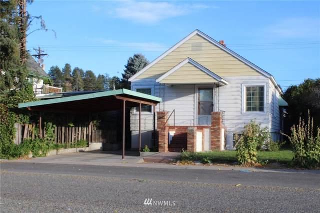 105 E Bartlett Avenue, Omak, WA 98841 (#1846561) :: McAuley Homes