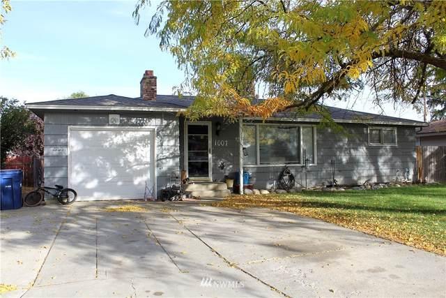 1007 Dartmouth Avenue, Wenatchee, WA 98801 (#1851937) :: Better Properties Lacey