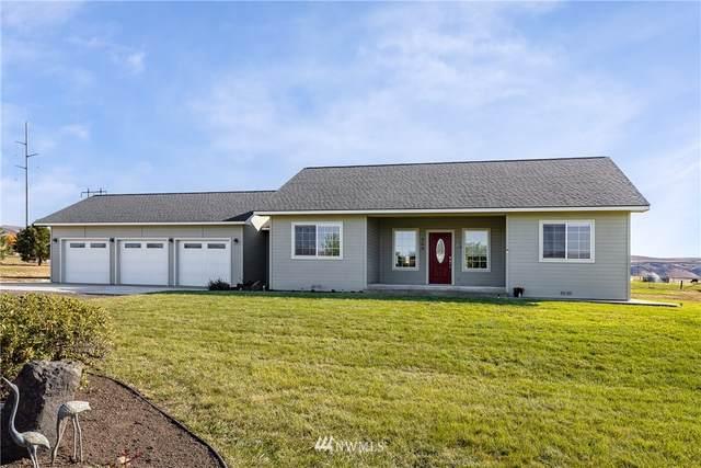 704 Firing Center Road, Yakima, WA 98901 (#1852072) :: McAuley Homes
