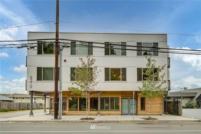 6219 NE 181st Street #201, Kenmore, WA 98028 (#1852582) :: Ben Kinney Real Estate Team