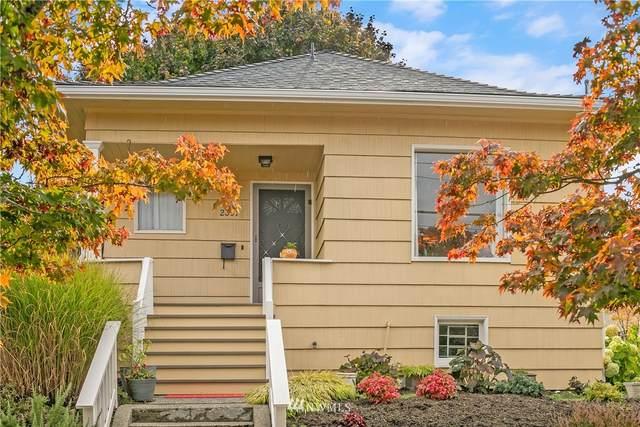 2351 N 61st Street, Seattle, WA 98103 (#1852611) :: Keller Williams Western Realty