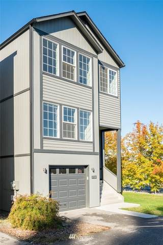 1504 Historic Lane, Wenatchee, WA 98801 (#1853484) :: Shook Home Group