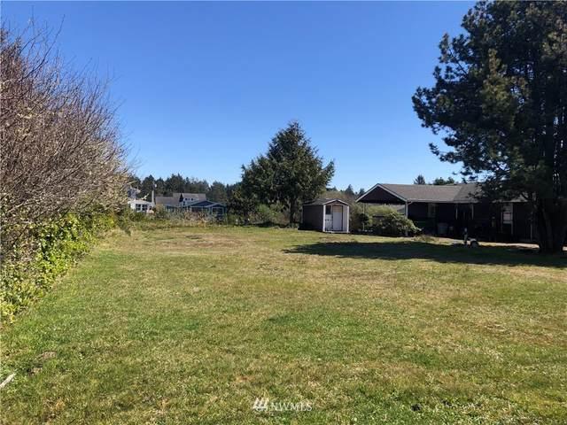 260 Pt. Brown Avenue NE, Ocean Shores, WA 98569 (#1854543) :: Keller Williams Realty