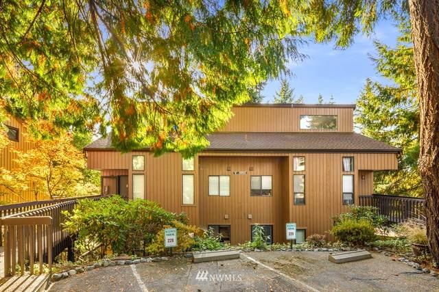 10911 NE 37th Place #1, Bellevue, WA 98004 (#1854783) :: Keller Williams Western Realty