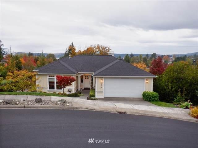 2216 19th Street, Anacortes, WA 98221 (#1855290) :: Ben Kinney Real Estate Team
