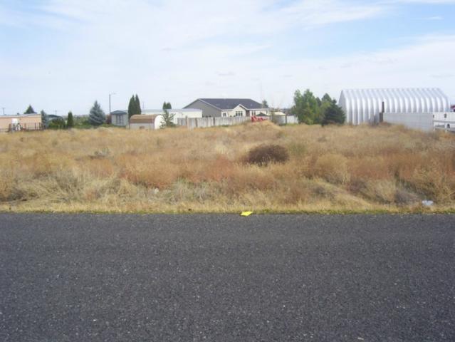 4425 Kathy, Moses Lake, WA 98837 (#659931) :: Keller Williams Western Realty