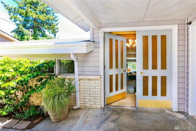 11522 24th Ave NE, Seattle, WA 98125 (#1130245) :: Ben Kinney Real Estate Team