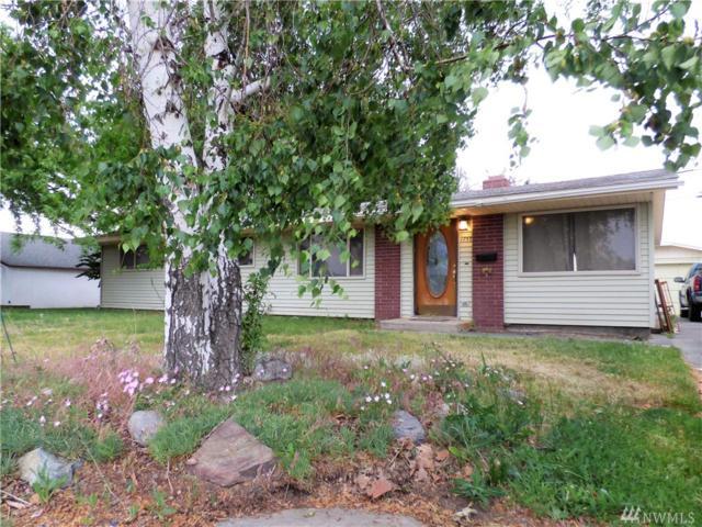 1733 S Monroe St, Moses Lake, WA 98837 (#1132745) :: Ben Kinney Real Estate Team