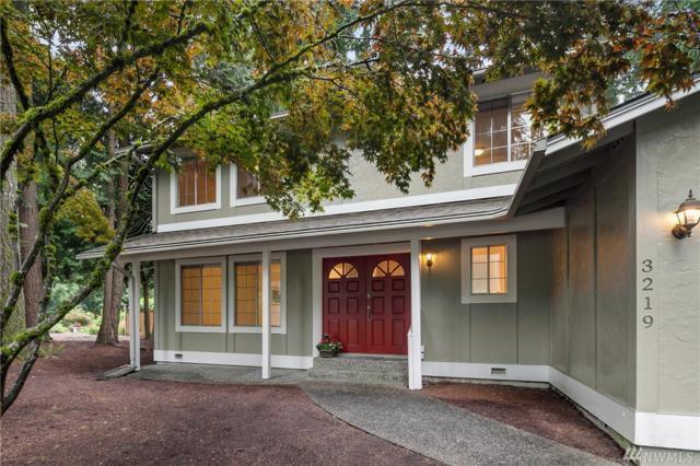 3219 220th Ave SE, Sammamish, WA 98075 (#1141881) :: Ben Kinney Real Estate Team