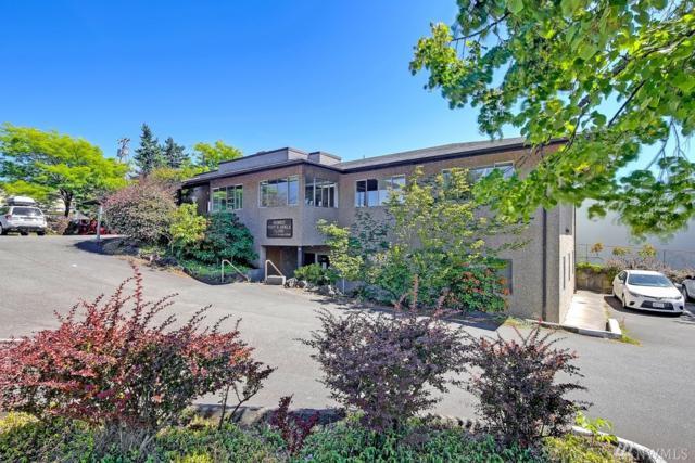 11545 15th Ave NE, Seattle, WA 98125 (#1196369) :: Pickett Street Properties