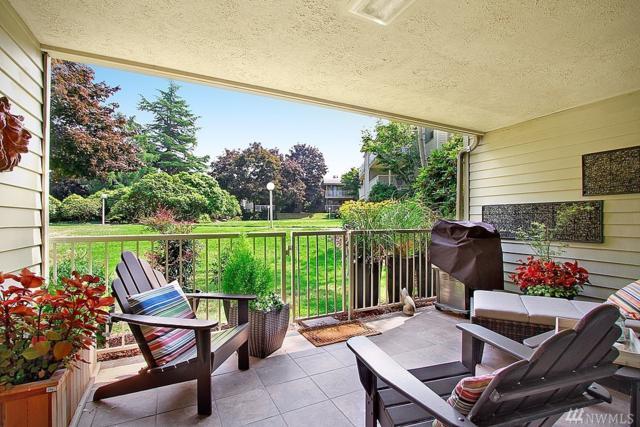 6405 Sand Point Wy NE, Seattle, WA 98115 (#1198543) :: Ben Kinney Real Estate Team