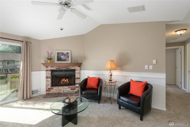 14200 NE 171st St E202, Woodinville, WA 98072 (#1201604) :: Ben Kinney Real Estate Team