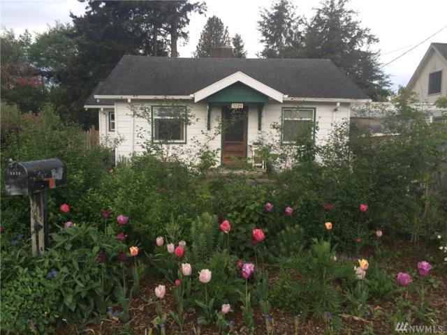 3229 Pinewood Ave, Bellingham, WA 98225 (#1202116) :: Ben Kinney Real Estate Team
