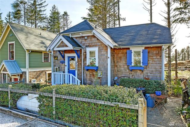 25 Sellwood Lane, Pacific Beach, WA 98571 (#1253657) :: Homes on the Sound