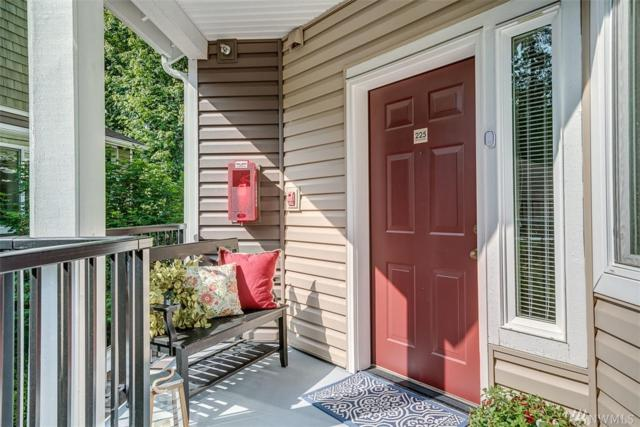 5000 NW Village Park Dr E225, Issaquah, WA 98027 (#1305112) :: Homes on the Sound