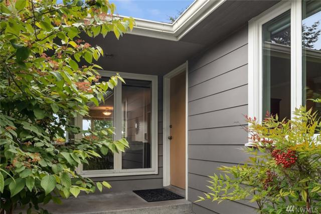 6541 28th Ave NE, Seattle, WA 98115 (#1311552) :: The Home Experience Group Powered by Keller Williams