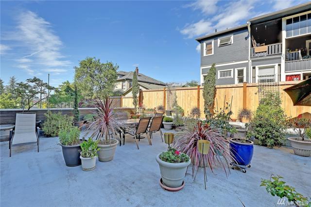 2350 10th Ave E #221, Seattle, WA 98102 (#1328279) :: Beach & Blvd Real Estate Group
