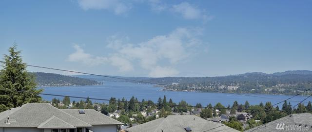 8233 S 123rd Place, Seattle, WA 98178 (#1331224) :: Beach & Blvd Real Estate Group