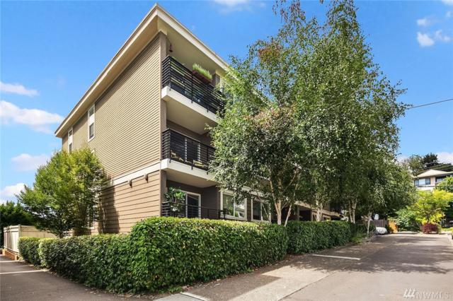 3657 Francis Ave N #301, Seattle, WA 98103 (#1341399) :: Kwasi Bowie and Associates