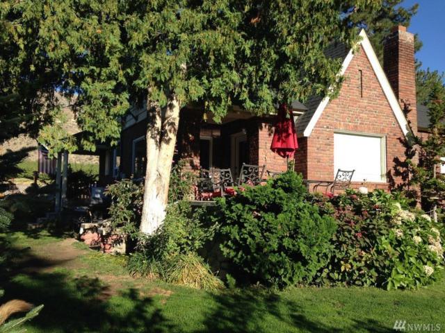 348 5th St, Chelan Falls, WA 98817 (#1360070) :: Homes on the Sound