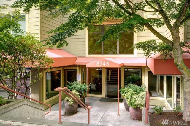 8745 Greenwood Ave N #311, Seattle, WA 98103 (#1361184) :: Carroll & Lions