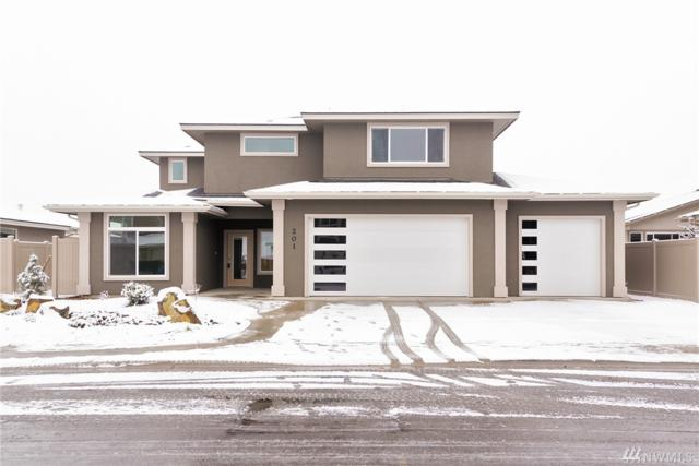 201 E Country Side Ave, Ellensburg, WA 98926 (#1370336) :: Homes on the Sound