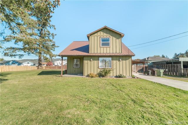 3370 Oak St, Longview, WA 98632 (#1376950) :: Ben Kinney Real Estate Team