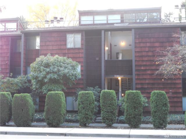 8951 Ravenna Ave NE, Seattle, WA 98115 (#1382926) :: Brandon Nelson Partners