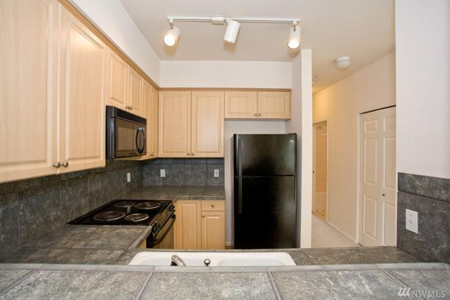13000 Admiralty Wy A304, Everett, WA 98204 (#1384334) :: Real Estate Solutions Group
