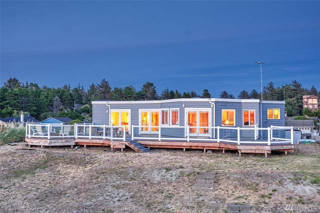 23803 J Place, Ocean Park, WA 98640 (#1388988) :: Record Real Estate