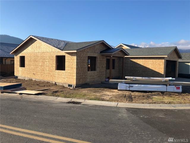 401 Ridgewood Dr, Manson, WA 98831 (#1389838) :: Ben Kinney Real Estate Team