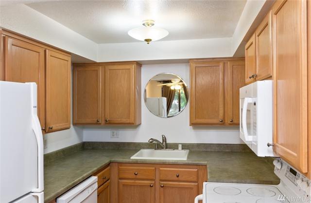 230 SW Clark Street C202, Issaquah, WA 98027 (#1398147) :: McAuley Homes