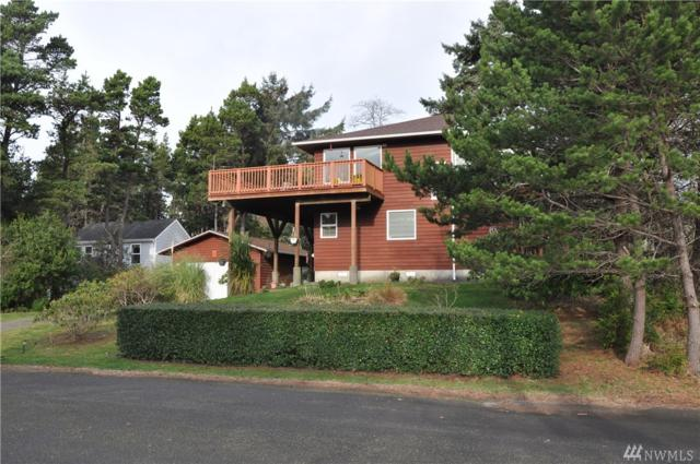 1021 242nd Place, Ocean Park, WA 98640 (#1400995) :: The Royston Team