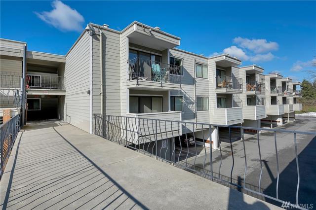 444-S State St #317, Bellingham, WA 98225 (#1414744) :: Ben Kinney Real Estate Team
