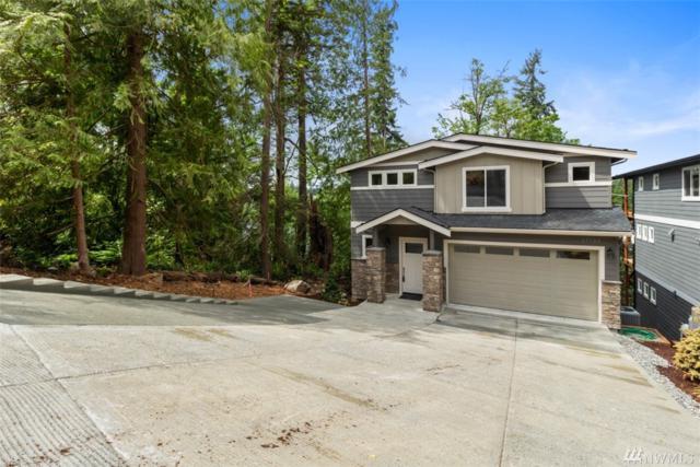 17725 E Lake Desire Dr SE, Renton, WA 98058 (#1427044) :: Ben Kinney Real Estate Team