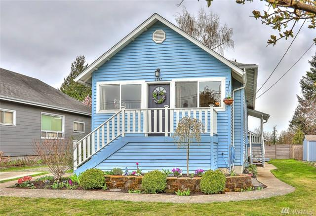 3247 Walnut Ave SW, Seattle, WA 98116 (#1430027) :: Hauer Home Team