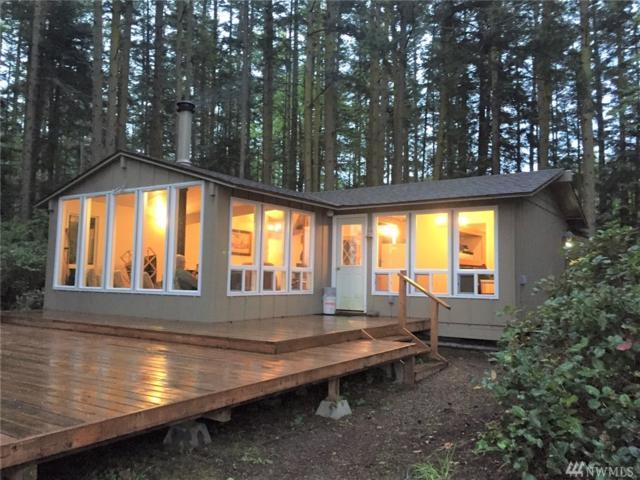 176 Wishkah Lane, Center Island, WA 98221 (#1447319) :: Northwest Home Team Realty, LLC