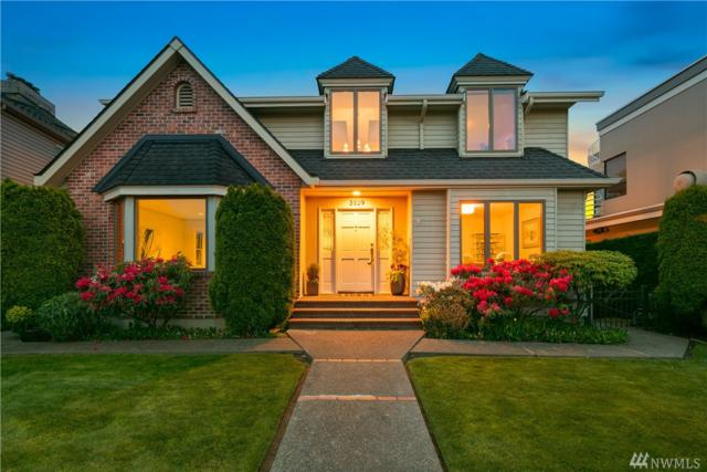 3529 W Howe St, Seattle, WA 98199 (#1453502) :: The Kendra Todd Group at Keller Williams