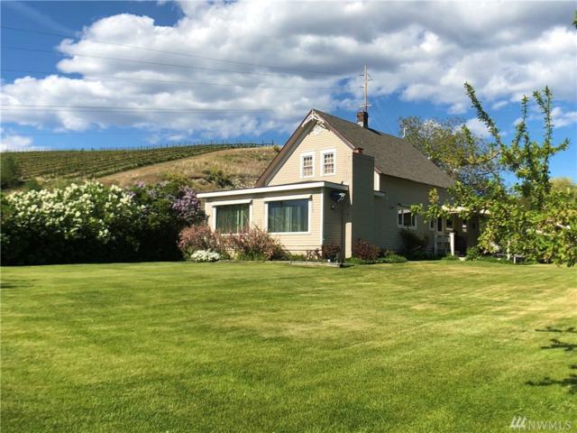 30 Chapman Rd, Chelan, WA 98831 (#1455296) :: Homes on the Sound