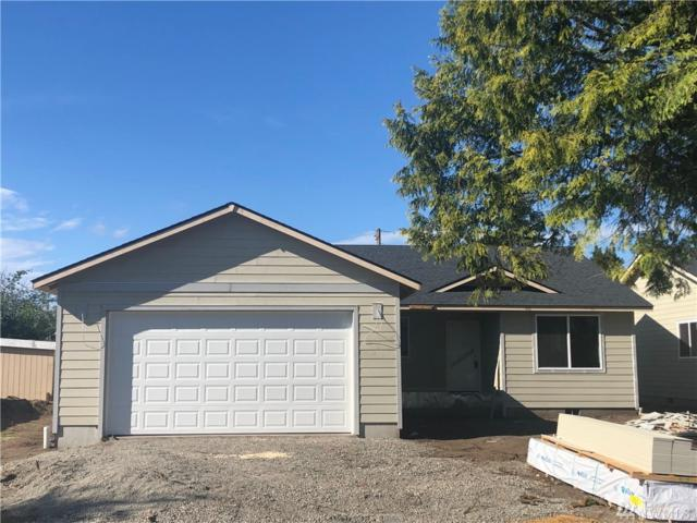 1127 Elm St, Centralia, WA 98531 (#1458944) :: Homes on the Sound