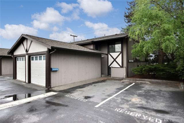 323 SW 112th St #101, Seattle, WA 98146 (#1459950) :: Kimberly Gartland Group