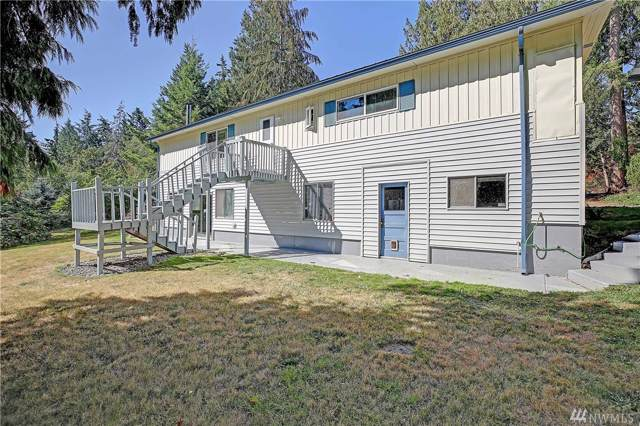1679 Hemlock Dr, Camano Island, WA 98282 (#1511863) :: The Kendra Todd Group at Keller Williams