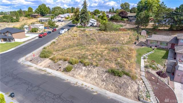 225 W Linden Ave, Moses Lake, WA 98837 (#1515533) :: Lucas Pinto Real Estate Group